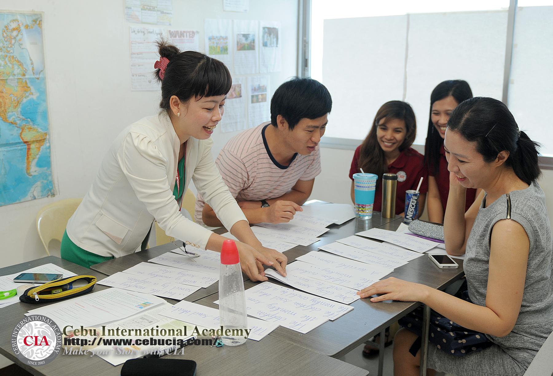 lớp nhóm : chia sẻ kiến thức và sự tự tin cũng như cách làm việc nhóm