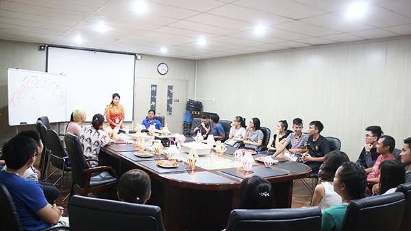 Học viên Việt Nam chào đón trung thu 2016 tại CIA